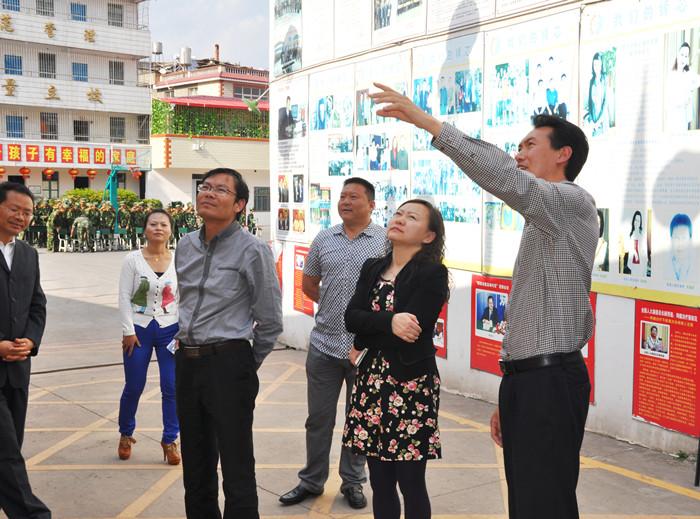 安宁市委常委、副市长李笠菲、市教育局局长肖战风